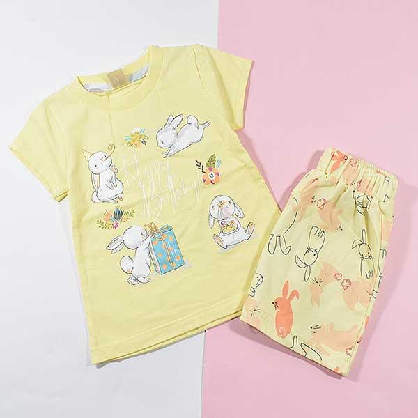 تیشرت شلوارک دخترانه بچه گانه خرگوش بازیگوش کد 2225 لیمویی